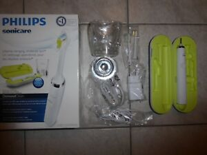 Brosse à dents électrique Philips Sonicare Diamond Clean White Edition HX9382/04