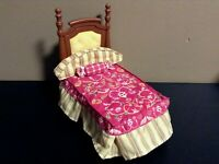 LOVING FAMILY PARENTS BED LOT DOLLHOUSE BEDROOM FURNITURE FISHER PRICE C
