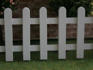 Dolls House Miniature 1/12th Scale White Wooden 1ft Long Picket Garden Fence C86