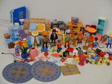 79 ) Playmobil 12 Figuren - viele Möbel ua. viele Kleinteile Zubehör