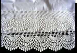 New Embroidered Lace PillowCase (2)  White Cotton Sateen Standard Pair s1#
