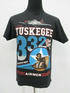 P8423 VTG Men's Tuskegee Airmen 32 American Heroes Graphic T-Shirt Size M