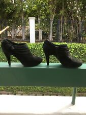 ME TOO 10M, black leather (suede) ankle bootie, with side zip, floral detail