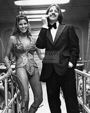 "RINGO STARR & RAQUEL WELCH IN ""THE MAGIC CHRISTIAN"" 8X10 PUBLICITY PHOTO (RT602)"