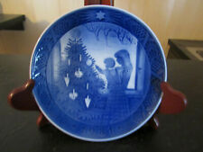 "1981 Royal Copenhagen Denmark Collectors Plate ""The Christmas Tree"""