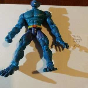 "Marvel / Toybiz - Legends / Universe / Selects X-Men blue Beast 6"" action figure"