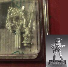 Freebooter STE004 Dixie Dynamite (1) Miniature Female Steampunk Gunslinger Hero