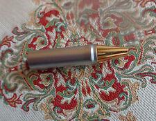 Rotring 600 Newton bolígrafo la parte delantera plata/oro