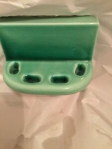 EXCELLENT CONDITION Vintage Wall Mount Green Glazed Ceramic Toothbrush Holder