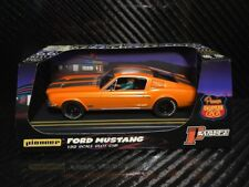 Pioneer slot car Ford Mustang 1968 Bicorps GT solaire orange Route 66 P054