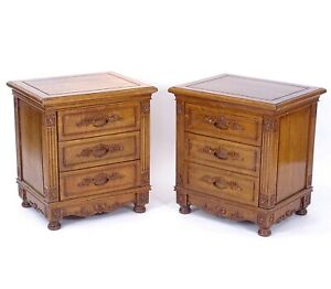 Quality Solid Oak Antique Style 21st Century Pair of Bedside Tables w/ Drawers