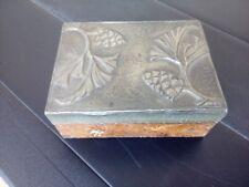 Ancienne boite bois et étain décor floral art nouveau populaire
