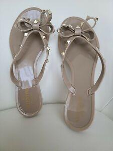 Valentino Rockstud Bow Jelly Thong Sandals Tan/Poudre sz  EU 37/ US 7