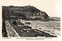 R199605 San Sebastian. Flaya de Ondarreta y Monte Igueldo. Ondarreta beach and I
