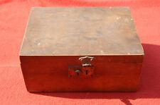 Ancienne grosse Boîte en bois 28 x 21 x 12,5 cm pas de clé