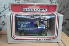 DAYS GONE BY...VEHICLE...with...FIGURES..LLEDO....1983.....VINTAGE....BOXED....