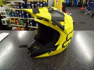 FOX V2 HELMET MASTAR YELLOW ADULT SMALL 55 - 56cm MX MOTOCROSS ENDURO