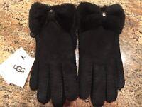 100% UGG Australia Women Genuine Shearling Sheepskin Bow Gloves Black size S 70dd7f200649