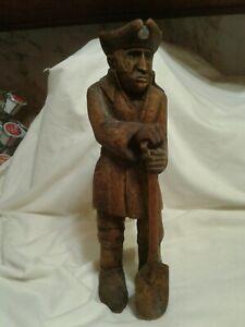 "Vtg Hand Carved Wood Folk Art Sculpture 18th Century COLONIALIST Man Shovel 12"""