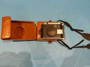 LOMOGRAPHY 2337046 LOMO INSTANT CAMERA W/ LEATHER CASE