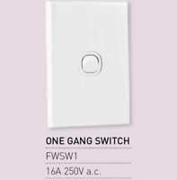 1 X Vynco Single Vertical Wall Light Switch Single Outlet 1 One Gang 16A 250V