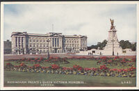 London Postcard - Buckingham Palace & Queen Victoria Memorial  RS2498