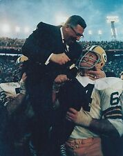 VINCE LOMBARDI 8X10 PHOTO GREEN BAY PACKERS PICTURE NFL FOOTBALL CARRIED AWAY