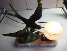 Lampe de chevet , bureau , socle marbre , hirondelle régule patiné bronze 1960