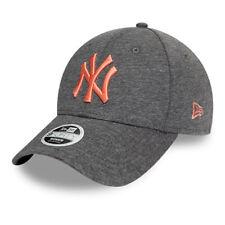 NEW ERA 940 WMNS LEAGUE ESSENTIAL CAP NEW YORK YANKEES NY GORRA 12386816 GRIS