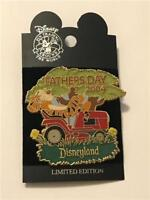 DLR FATHER'S DAY 2004 TIGGER ON A LAWNMOWER LE 1000 DISNEY PIN 31001