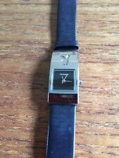 Damas ss Playboy Reloj Con Correa De Cuero Negro W327/10