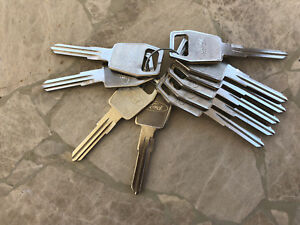 10  Ford  & Land Rover Peterbilt Rover Sterling Key Blanks