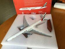 Gemini 1/200 diecast Emirates Boeing 777-300ER Awesome