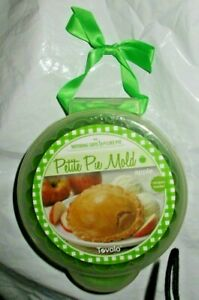 Tovolo Petite Pie Mold with Case & Recipes Green Apple