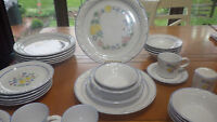 Stoneware Dinnerware Set Vera Fina Radiance service for 6 37 pieces tags EUC