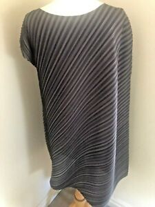 STUNNING ISSEY MIYAKE PLEATS PLEASE Tunic/Dress Size 3 Black/Grey Worn Once