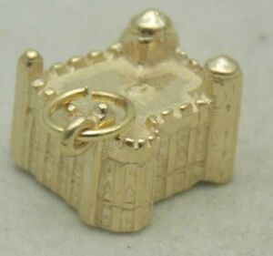 3D 9 CARAT GOLD TOWER OF LONDON  CHARM