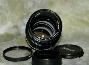 Near Mint  Nikon Nikkor 105mm f/2.5 AIS Manual Focus Prime Lens,Caps+Sky Filter