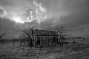 Country Photography Print - Black and White Picture of Old Farmhouse in Kansas