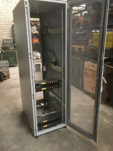 """Rittal 19 """" Serverschrank Rack #2"""