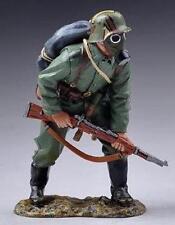 THOMAS GUNN WW1 GERMAN GW046A READY TO ADVANCE IN GAS MASK MIB