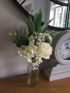 Artificial Ivory Rose Hydrangea Luxury Flower Arrangement In A Glass Vase