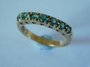 VINTAGE 9ct GOLD EMERALD RING