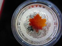 Majestic Maple Leaves With Drusy Stone – Extra Low Mintage: 4,000, 1 oz Silver
