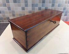 Early 20thC Solid teca mesa de Caja de almacenamiento con uniones de cola de Milano-Lock & Key