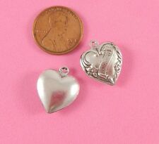"Love You"" Heart - 2 Pc(s) Vintage Design Ant Silver 3-D ""I"