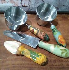 LOT OF 4 KITCHEN GADGETS  2 1 CUP MEASURING CUP, LEMON JUICER & CAKE KNIFE