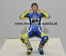 Figur Valentino ROSSI 2014 Moto GP CHECKING THE EAR PLUGS 1:12 Minichamps