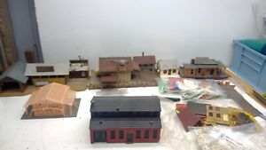 Vintage-HO Scale Misc Buildings Lot-Sawmill, construction, houses, stations(H86)