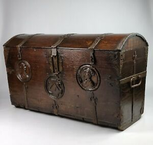A 16th Century Romayne Marriage Chest.